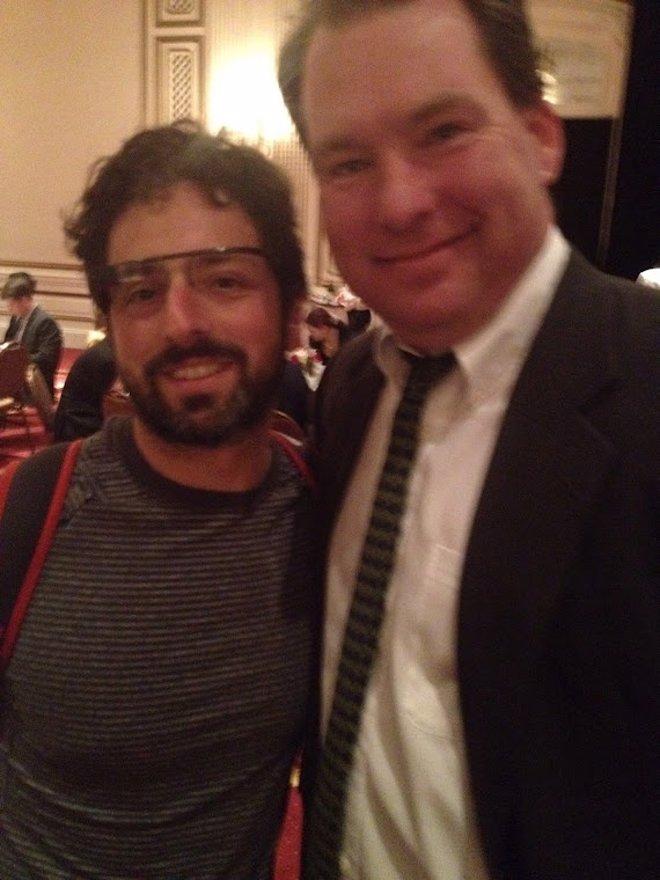 Sergey Brin Con Las Gafas De Realidad Aumentada De Google