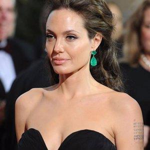 Angelina Jolie estuvo con Lenny Kravitz y Ralph Fiennes