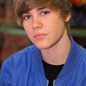 Justin Bieber reta a los Jonas Brothers a una pelea