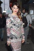 1STVIEWS MEDIA PUNCH: La actriz ompresionante en un diseño de Pucci