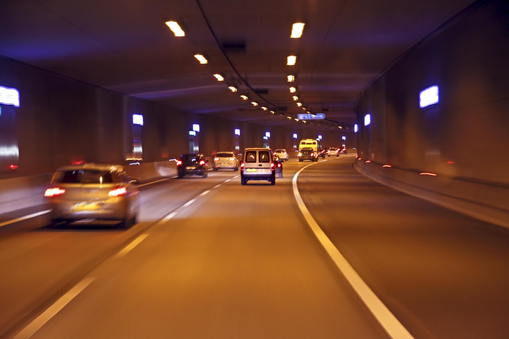 5 consejos para circular en túneles