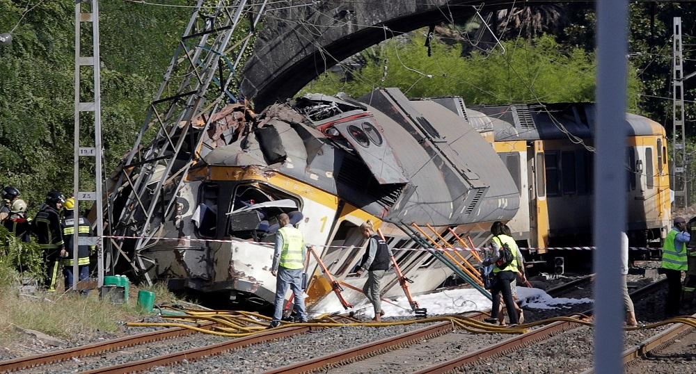 Dos muertos al descarrilar un tren en O Porriño (Pontevedra)
