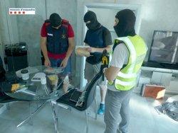 Cinc persones detingudes en una operació contra dos punts de venda de droga al barri de Sant Josep Obrer de Reus (ACN)