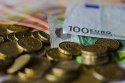 La meitat dels espanyols ven en plataformes de segona mà per aconseguir diners extres, segons Rastreator (EUROPA PRESS)
