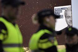 La Policia posa fi a la presa d'ostatges a la seu de la ràdio holandesa 3FM (REUTERS / DYLAN MARTINEZ)