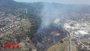 20 dotaciones de Bomberos luchan contra un incendio en Sant Vicenç dels Horts (Barcelona)