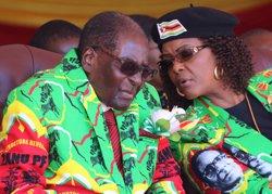 Sud-àfrica concedeix a Grace Mugabe la immunitat diplomàtica després d'una suposada agressió (REUTERS / PHILIMON BULAWAYO)