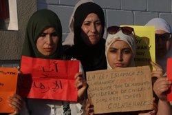 Unes 400 persones de la comunitat islàmica de Cambrils condemna els atemptats en una concentració (ACN)