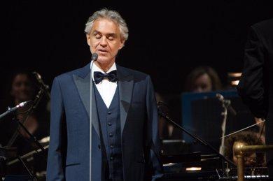 Andrea Bocelli pospone por razones médicas su concierto en Starlite